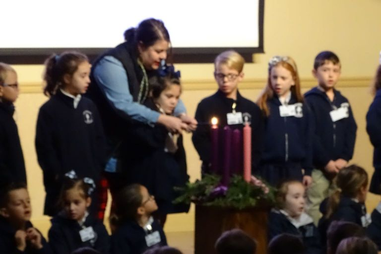 1st Grade Advent Wreath Lighting