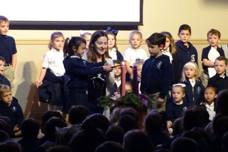 Kindergarten Advent Wreath Lighting